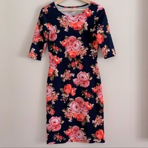 4/$20 Navy and pink floral dress size small